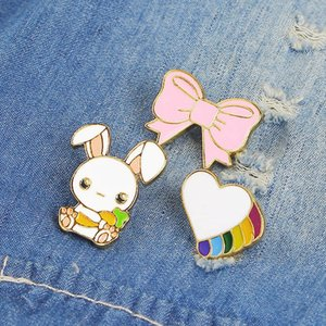 Japanese Cute Cartoon Bunny Brooch Pins Funny Creativity Rabbit Heart Bowtie Alloy Enamel Brooches for Christmas Gift Badges Bag Shirt Pin