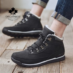 DECARSDZ Snow Fashion Warm Plush Sneakers Shoes Man Durable Outsole Leather New Winter Boots Men 201126