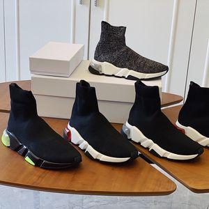 Zapatillas de calcetines de velocidad para hombre clásico zapatillas de deporte de kning-on slip-on step speed entrenador zapatillas de deporte caminar caminando negro rojo triple plataforma zapato