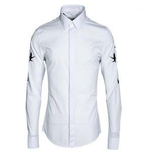 Мужские повседневные рубашки мужчины рубашка роскошь птичьего вышивки с длинным рукавом мужское платье плюс размер 4XL черный белый мода Slim Fit Man1