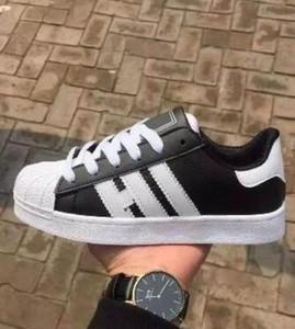 Büyük Boy kadın ayakkabı için EU36-46 erkek ayakkabı beyaz ayakkabı lazer dazzle renk superstar kabuk kafa rahat ayakkabılar dorp kargo