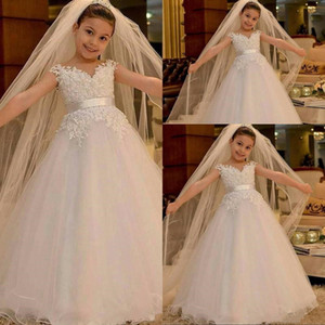 Cheap Arabic Lovely Flower Girls Dresses For Weddings V Neck Lace Appliques Pearls Beaded Puffy Tulle Birthday Girl Communion Pageant Gowns