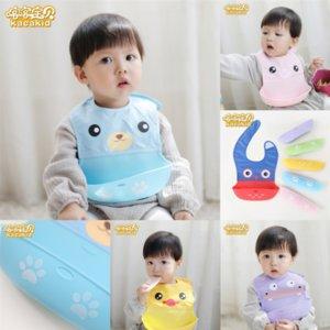 Znm1j önlükler toptan satışBaby insular towel bandanas üçgen burp karikatürler pamuk tükürük bebeği için toddler bandana kuerflayers önlük burp çocuk
