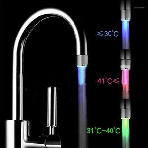 LED Water Faucet Stream Light 7 Cores Torneiras Troca de Chumbo Chuveiro Fluxo Torneira Head Pressure Sensor Temperatura do banheiro1