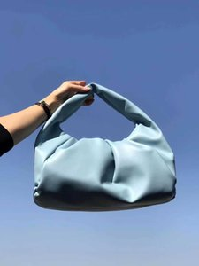 2020 The shoulder pouch womens bags new Fashion Tote bags genuine leather handbags purse The Pouch women Clutch Cloud Bag High quality