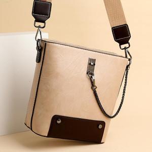 Trendige breite Schultergurt Eimer Tasche Frauen PU Leder Kette Dekoration Umhängetasche Weibliche Einfache Designer Crossbody Bags Sack