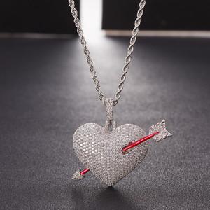 Freccia ghiacciata attraverso il cuore della collana del cuore con la catena della corda Colore dell'oro Bling Cubic Zircon Uomo Gioielli Hip Hop
