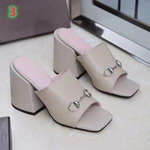 2020 новая женская мода сандалии на высоких каблуках кожаная мягкая девушка повседневная обувь леди открытый толстые каблуки большой размер 35-42 с коробкой
