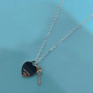925 2020! TIF стерлинговые серебряные серебряные в форме сердца ключевой замок ожерелье изысканный цепочка ключицы, ее сердце только вы можете открыть XN62