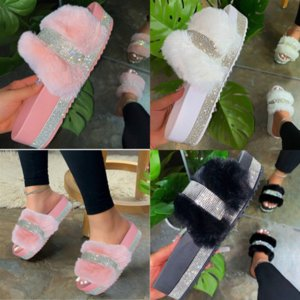 l4tZ3 Luxurys Designer Lady Lock designer IT Flat Patent high quality Mink Slipper Canvas Brown Mule Flower Slides Sandals Winter Booties