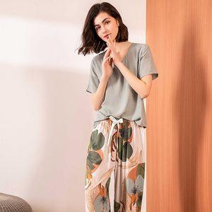 2021 Summer New Women V-Neck Leaves Printed Pajamas Set Ladies Comfort Simple Style Sleepwear Loose Soft Casual Wear Homewear