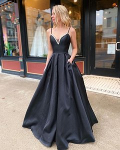 A-Line Prom Dresses Long Spaghetti Straps Sweetheart Black Satin Prom Gowns with Plckets Beaded Graduation Gowns Backless