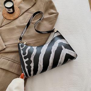 Vintage Cow Pattern Women Hobos Handbags PU Leather Ladies Small Shoulder Bags Fashion Leopard Female Clutch Purse Underarm Bag FQLQ