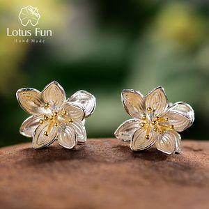 Lotus Fun Real 925 Pendientes de plata esterlina creativa natural Hecho a mano joyería fina Lotus Whispers Stud Pendientes para mujeres Bijoux Q1120