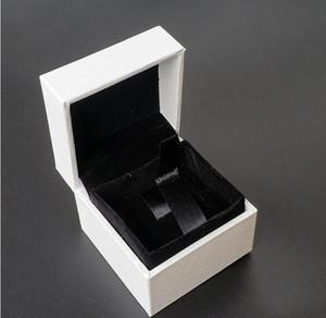 الكلاسيكية الأبيض مربع مجوهرات التعبئة والتغليف الصناديق الأصلية 5 * 5 * 4 سم ل باندورا سحر الأسود المخملية الدائري أقراط عرض مربع المجوهرات CZ220
