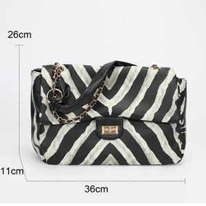 HBP New fashion female package qiu dong joker western fashion zebra high-capacity stray bag shoulder bag 2020