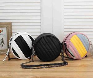 Sac à bandoulière circulaire pour femmes avec bracelet en chaîne Sacs de mode Lady Mini Bandbody sac de haute qualité Femme Sac à main 3 couleurs