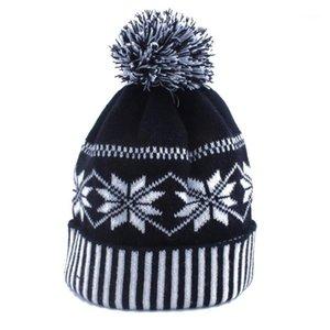 1 PC Mulheres Homens Moda Crochet Crochet Inverno Esqui Quente chapéu Cap Snowflake Beanie1