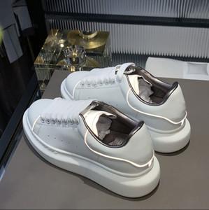Little White Shoes Lovers 2021 Nuevo cuero Suela gruesa Aumento de zapatos casuales de todo partido