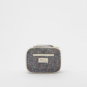 2020 new trend fashion joker floral makeup bag wash gargle bag portable small bag