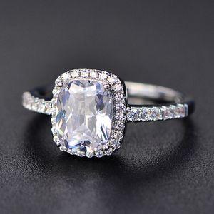 925 стерлингового серебра Moissanite Certified Diamond Обручальное кольцо для женщин Роскошные обручальные квадратные Цветные драгоценные камня Циркона Модные кольца
