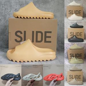 EUR 36-47 Kutusu Ile Erkek Slaytlar Köpük Koşucu Katı Siyah Üçlü Kırmızı Golf Beyaz Kadın Terlik Kanye Flip Flop Sandal Ev Açık Loafer'lar