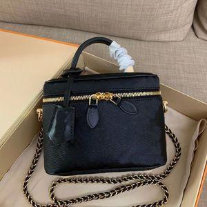 Vanity petit sac à main de luxe de luxe designeurs femmes jeu jeu carte à jouer à la chaîne de la chaîne de bandoulière jeu sur un sac de godet blanc noir 2 couleurs disponibles