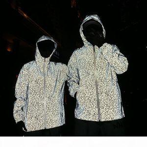 Men Jacket Casual Hip Hop fashion Windbreaker Reflective camouflage Jacket Men And Women Lovers Coat Hooded Fluorescent Couple Clothing