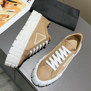 2021 Desiners Womens Old Dad 캐주얼 구두 두꺼운 솔 워드 신발 여성이 두꺼운 솔 워드 신발을 상자로 높게