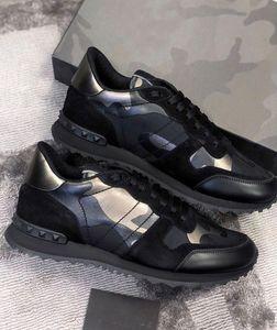 2021 Camouflage Studders Trainers Donne da donna Rivet Scarpe casual appartamenti Camo Snakers in pelle scamosciata Sneakers Rockrunner Scarpe Dimensione # 36-45