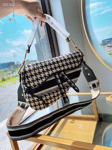 2020 Новый знаменитый бренд женская сумка седло ретро высококачественный седло мешок сумка сумка звезда знаменитость вдохновение вышивка на плечо