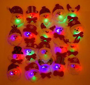 Christmas Gift LED Glowing Santa Snowman Deer Bear Glow Flashing Cartoon Brooch Badge Toy Christmas Luminous Decoration HHE2878