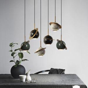 Singola testa Piccolata Planet Brass Modern Ball Lampadario Semplice LED Bedroom Lighting Lampada a sospensione in marmo verde