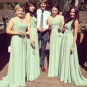 2021 V Neck Bridesmaid Dresses Ruched Chiffon Long Sweep robe de soirée de mariage Cheap Wedding Formal Gowns