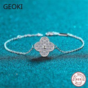 Geoki Passado Diamond Test 0.42 CT Corte Perfeito Moissanite Trevo Pulseira 925 Sterling Silver D Color Diamond Bracelets LJ201020