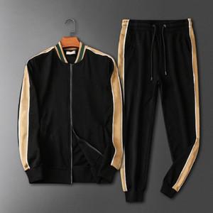 Hommes Classic Vêtements Set Lettre de la mode Imprimé Jakcet + Pantalon Mens Trendy Explosion Tracksuits Casual Vente chaude Two Pieces Tracksuits