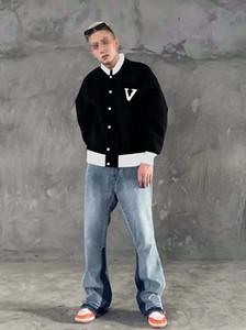Мужские дизайнеры Одежда Hoodie Goodie Valvet Flight Куртка Кожаные Вышивка Мужские Зимние Пальто Мужчины Мужские Дизайнеры Свитера Мужская одежда Черный