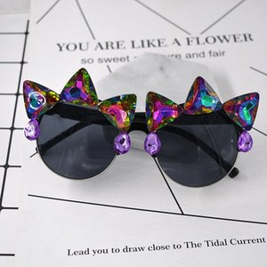 2020 Women Baroque Crystal Cat Eye Sunglasses for Women Retro Rhinestone Ladies Sun Glasses Summer Beach Party T-show Glasses