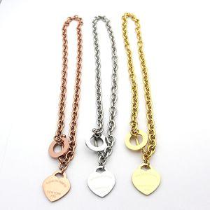 Famosa marca jewerly 316L titânio aço 18k banhado a ouro colar curto cadeia de prata homem coração colar pingente para mulheres casal presente