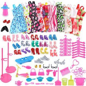 83pc / 1seset Barbie Dress Up Lot Lot pas cher Chaussures de vêtements pour Barbie Poupées Accessoires Vêtements à la main # Z1