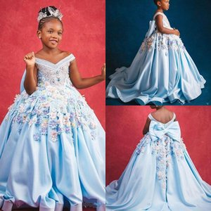 2021 Girl Pageant Dresses Off Shoulder 3D Floral Appliqued Crystal Beaded Flower Girl Gowns Open Back Bow Ruffle Sweep Train Birthday Gowns