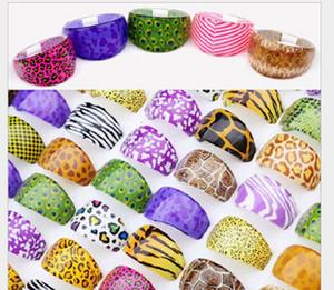 Wholesale Fashion Multicolored Pink Purple Leopard Tiger Pattern Resin Platsic Rings For Women Jewelry Bulk Lots ps1700