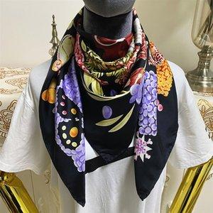 Новый стиль 90 см - 90 см Хорошее качество 100% Twill Silk Материал Черный Цвет Печать Цветы Шаблон квадратный шарф для женщин