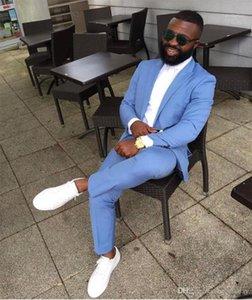 Costumes Hommes Blazers Dernières Design Sky Blue Mariage Tuxedos Mens Slim Fit Fit De Tapis Homme De Pal Prom Made Groomsmen 2 PC (Veste + pantalon) 1