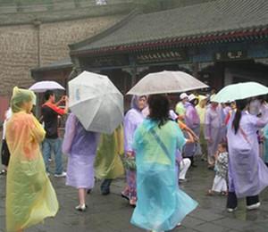 Impermeabile monouso Modo monouso pvc impermeabile Poncho una tantumwear Rainwear da viaggio cappotto pioggia pioggia usura da viaggio pioggia cappotto lls561