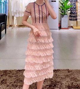 20 Spring and summer new women's clothing, Europe and the United States fashion round-necked Mesh Lace over-the-knee cake dress