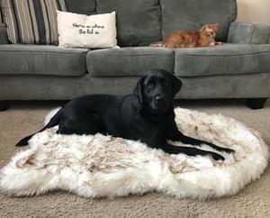 Tyteps Faux Fur Orthopedic Собака Кривая кровати Белый Собак Коврик для Большой Средний Маленькие Куски Поддержка Упаковка Доставка 201123
