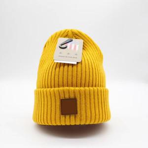 79129 USA Marque Designer Hiver Knited Chers Beanie étiquette Vertical Tricoté Laine Cap Unisexe se plie des bonnets occasionnels chapeau 5 couleurs de qualité supérieure