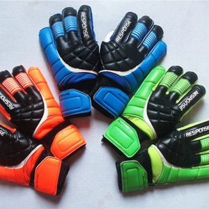 Sports Football Professional Goalkeeper Gloves with Finger Protection 0939