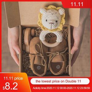 4pcs set Baby Bath Toy Set Solid Color Cotton Blanket Baby Milestones Brush Rattle Bracelet Baby Bath Gift Products For Kids Z1124